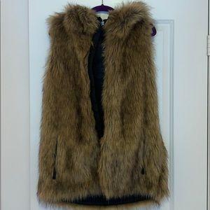 Volcom Fur Vest NWOT